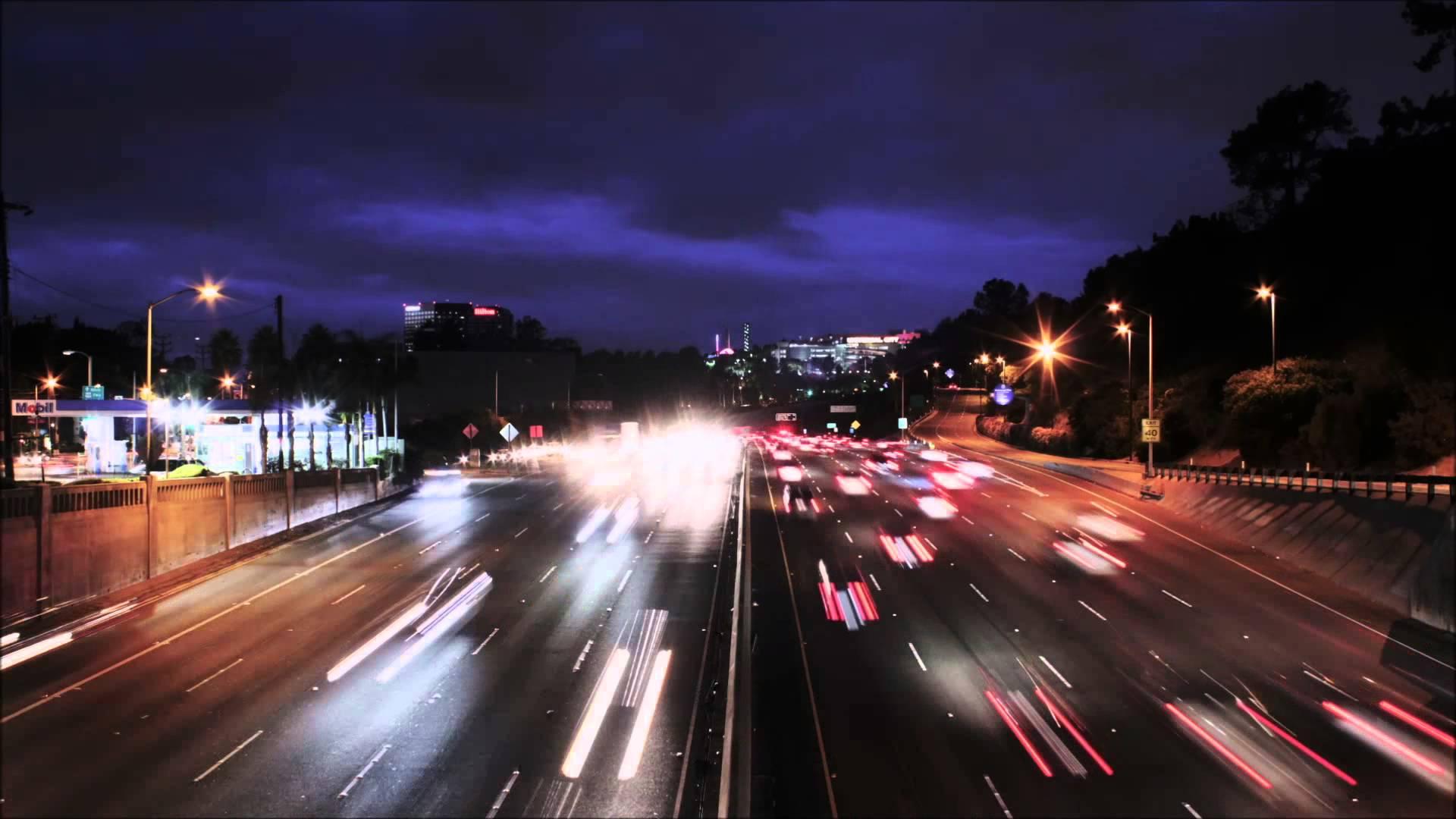 008825665-city-traffic-night